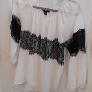 Is Byer Lace accent Top size Large